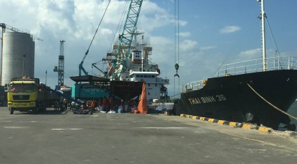 Tàu THAI BINH 36 chở phân bón SA Thai cập Cảng Qui Nhơn