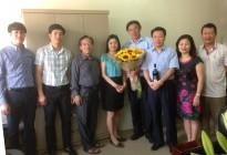 Tổng giám đốc Apromaco cùng Ban lãnh đạo công ty chúc mừng sinh nhật đồng chí Phùng Hà